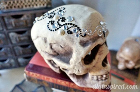 Pin by Heather Gorrie on Halloween Chic Pinterest - simple halloween decorations to make