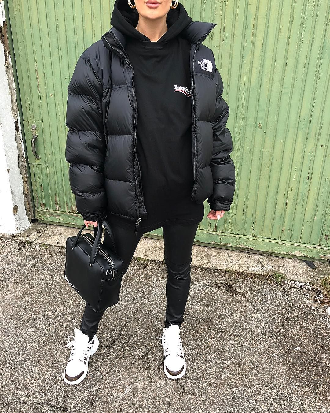 Ardiananicki On Instagram If I Had To Choose One Color Outfit Black Threadsstyling T North Face Jacket Outfit Winter Fashion Outfits North Face Outfits [ 1350 x 1080 Pixel ]