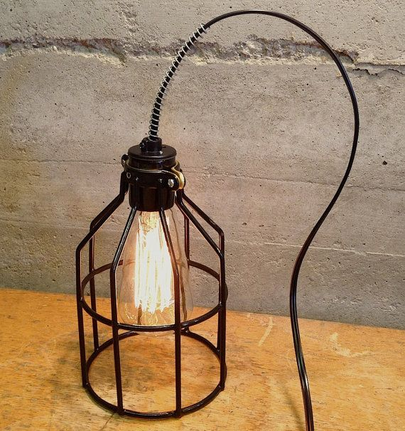 Vintage Style, Retro Price. Industrial Cage Edison Lamp. Desk Lamp, Accent Lighting, Night Light op Etsy, 30,98€