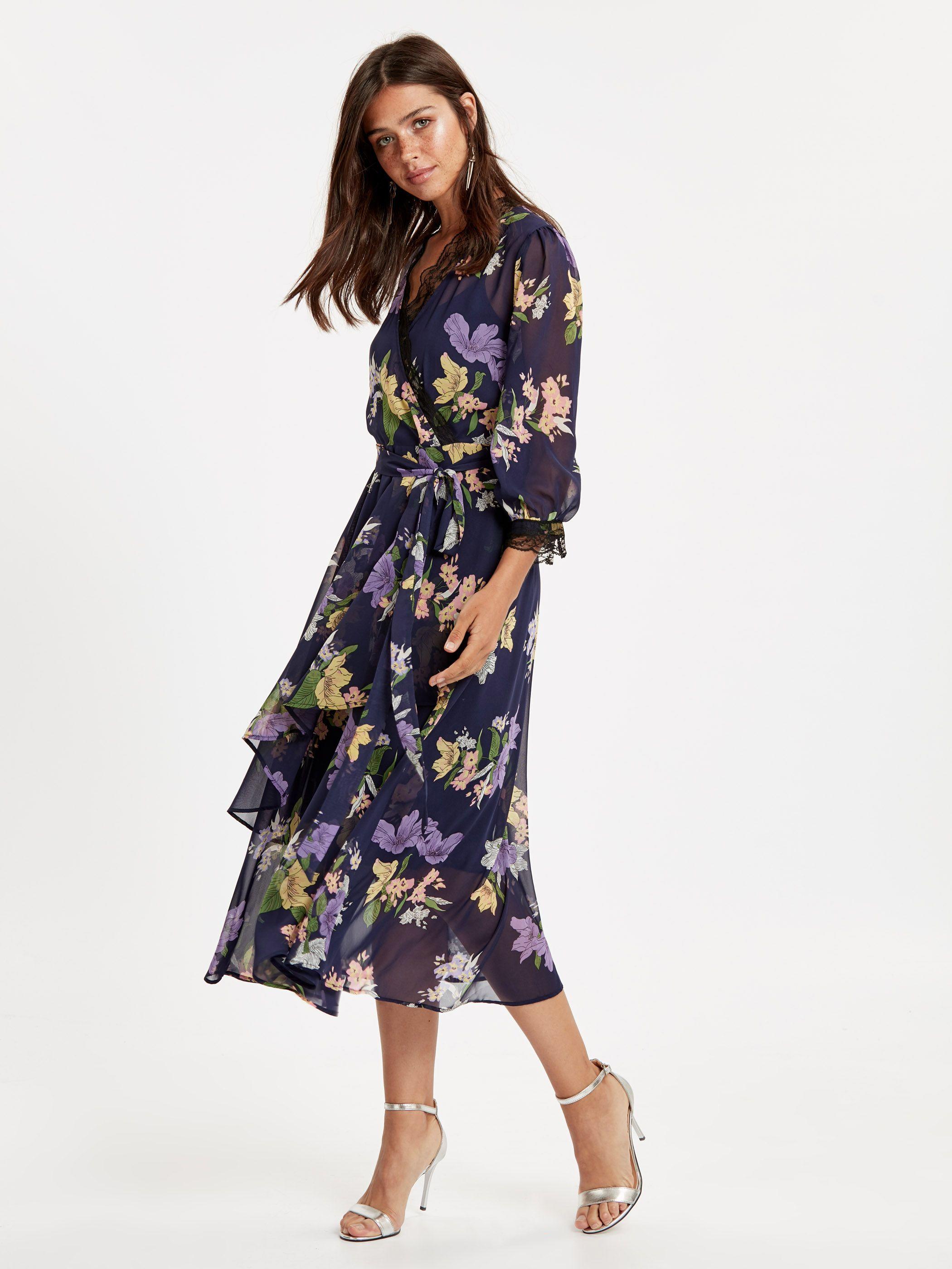 Dantel Detayli Cicek Desenli Kruvaze Sifon Elbise 8wh777z8 Lsj Lc Waikiki Elbise Sifon Elbise The Dress