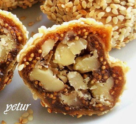 tarif anneme ait...çok lezzetli oluyor.tavsiyemdir... malzemelerimiz... 1/2 kğ kuru inciri (üstü beyaz olanlardan değil daha sof... #kuchenkekse