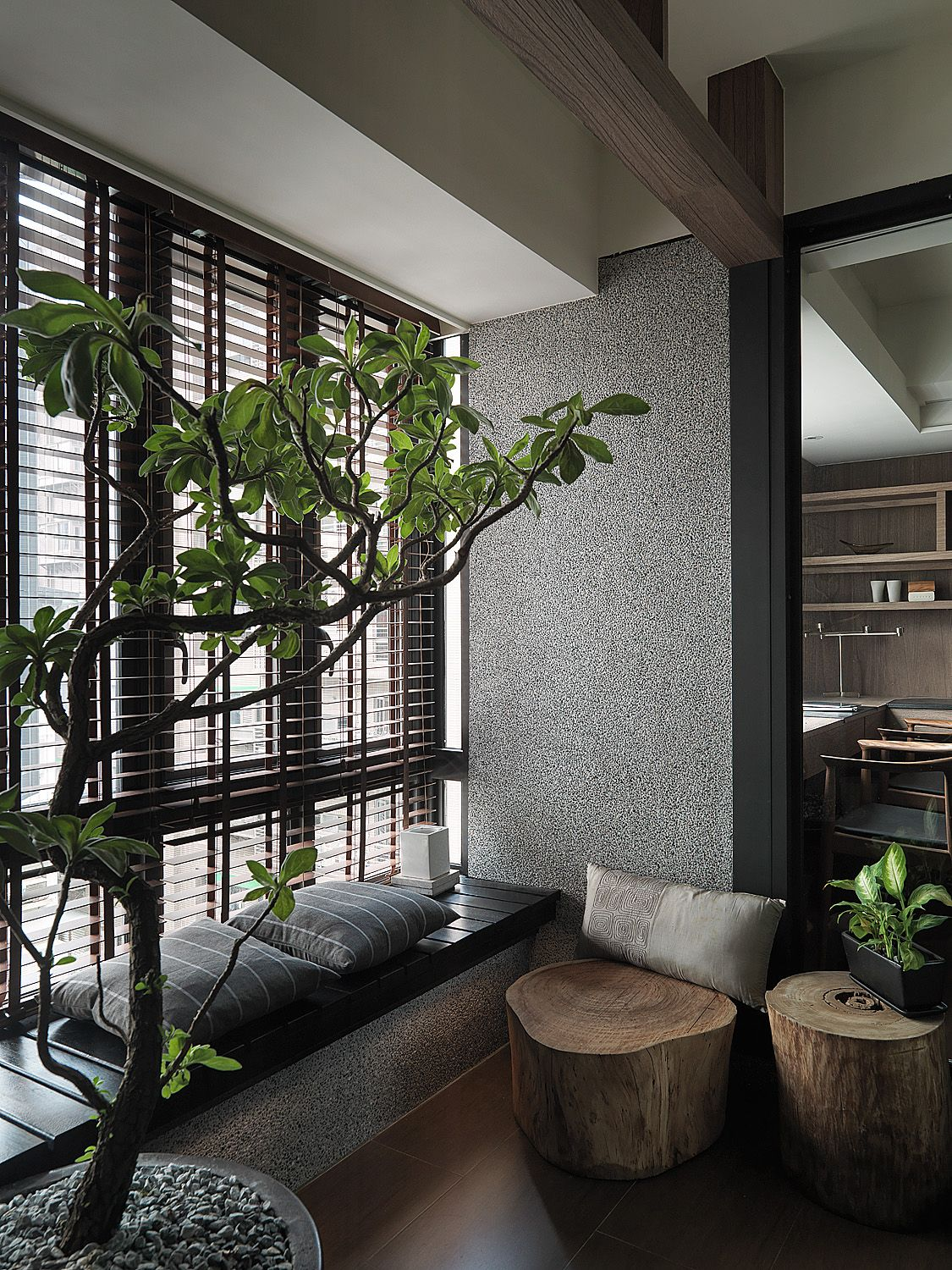 I love the relaxed nature vibe of this office space feels for Zen office design ideas