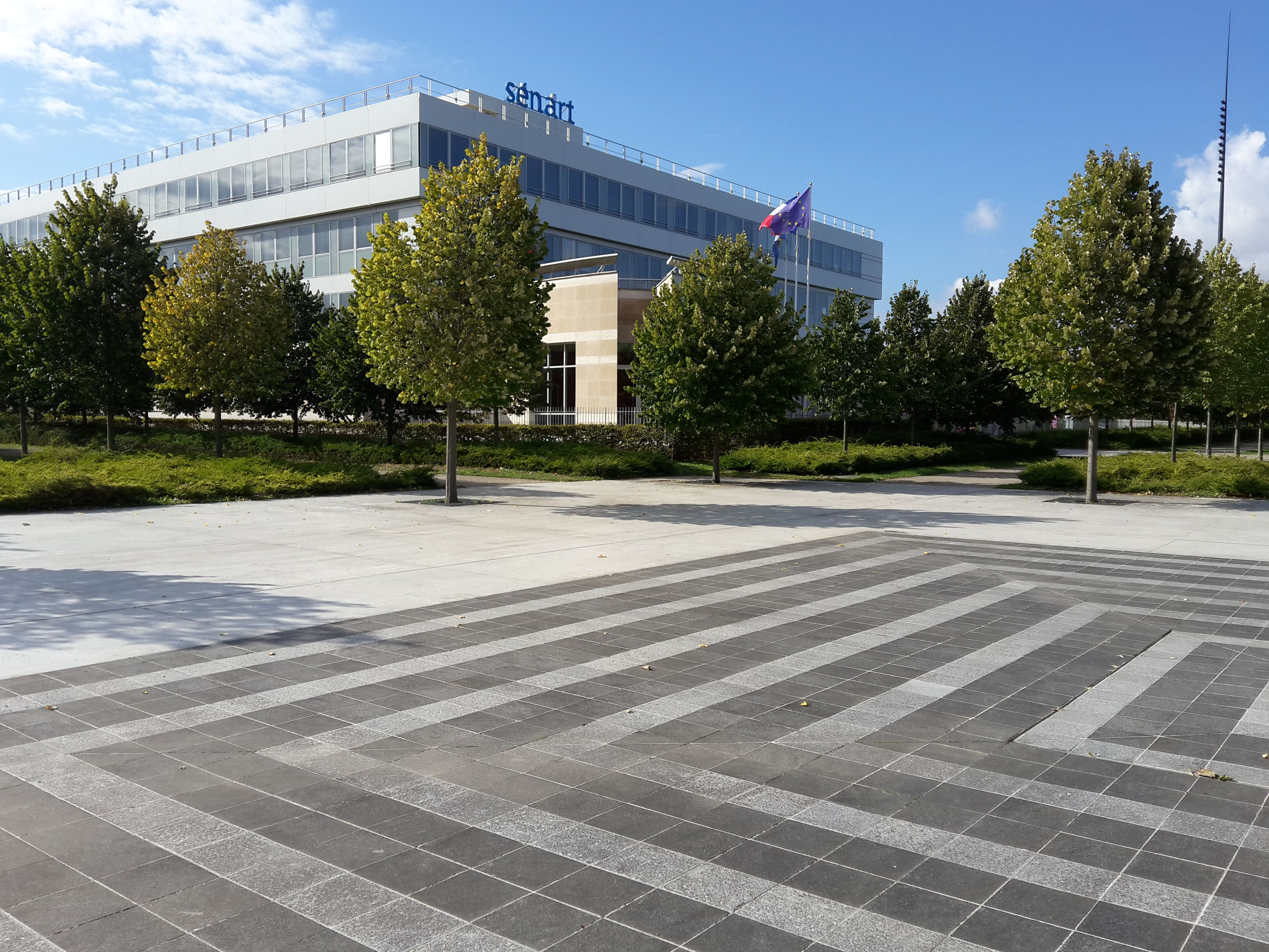 Hôtel de la Communauté et Place des Générations - 2015