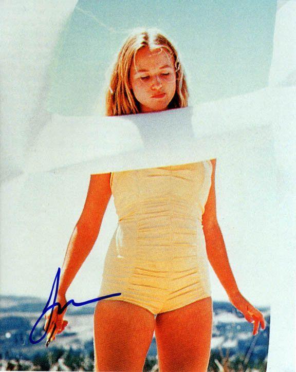 c2b4dccdb6f56 Jewel Kilcher Autographed Signed 8x10 Singer Beach Photo Uacc Rd ...