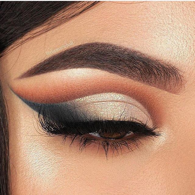 Perfect eye makeup for date night