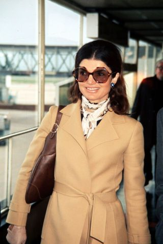 27 vintage photos that show off Jackie Kennedy's iconic style: