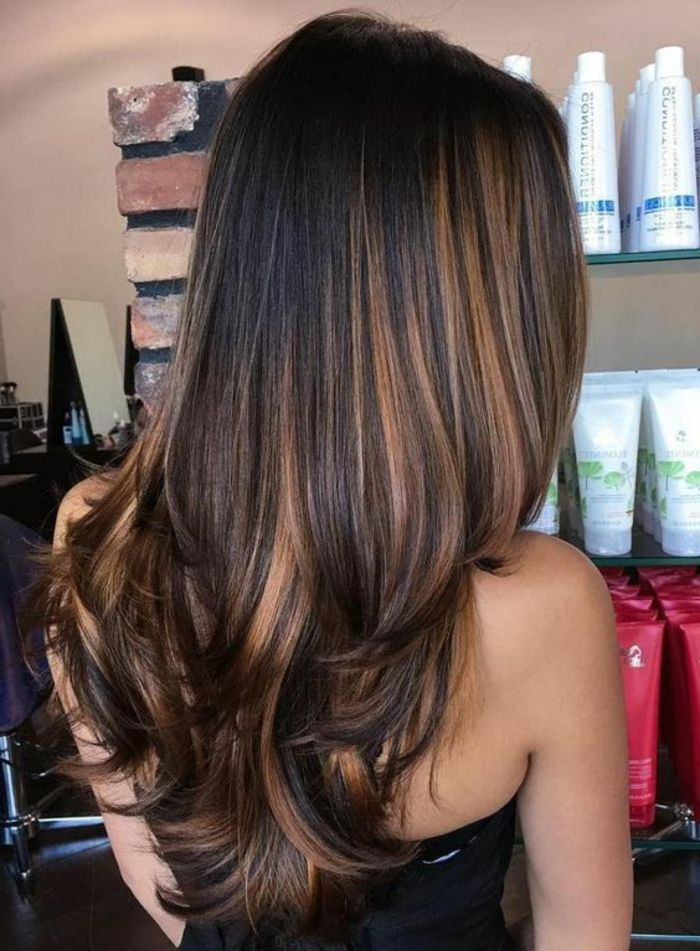 id e coiffure description balayage miel cheveux longs en couleur noire avec des m ches. Black Bedroom Furniture Sets. Home Design Ideas