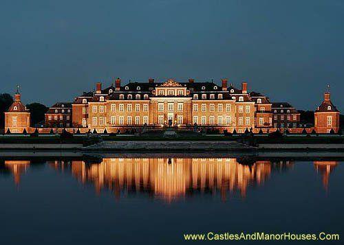 Schloss Nordkirchen, Nordkirchen, Coesfeld administrative district, North Rhine Westphalia, Germany. - www.castlesandmanorhouses.com