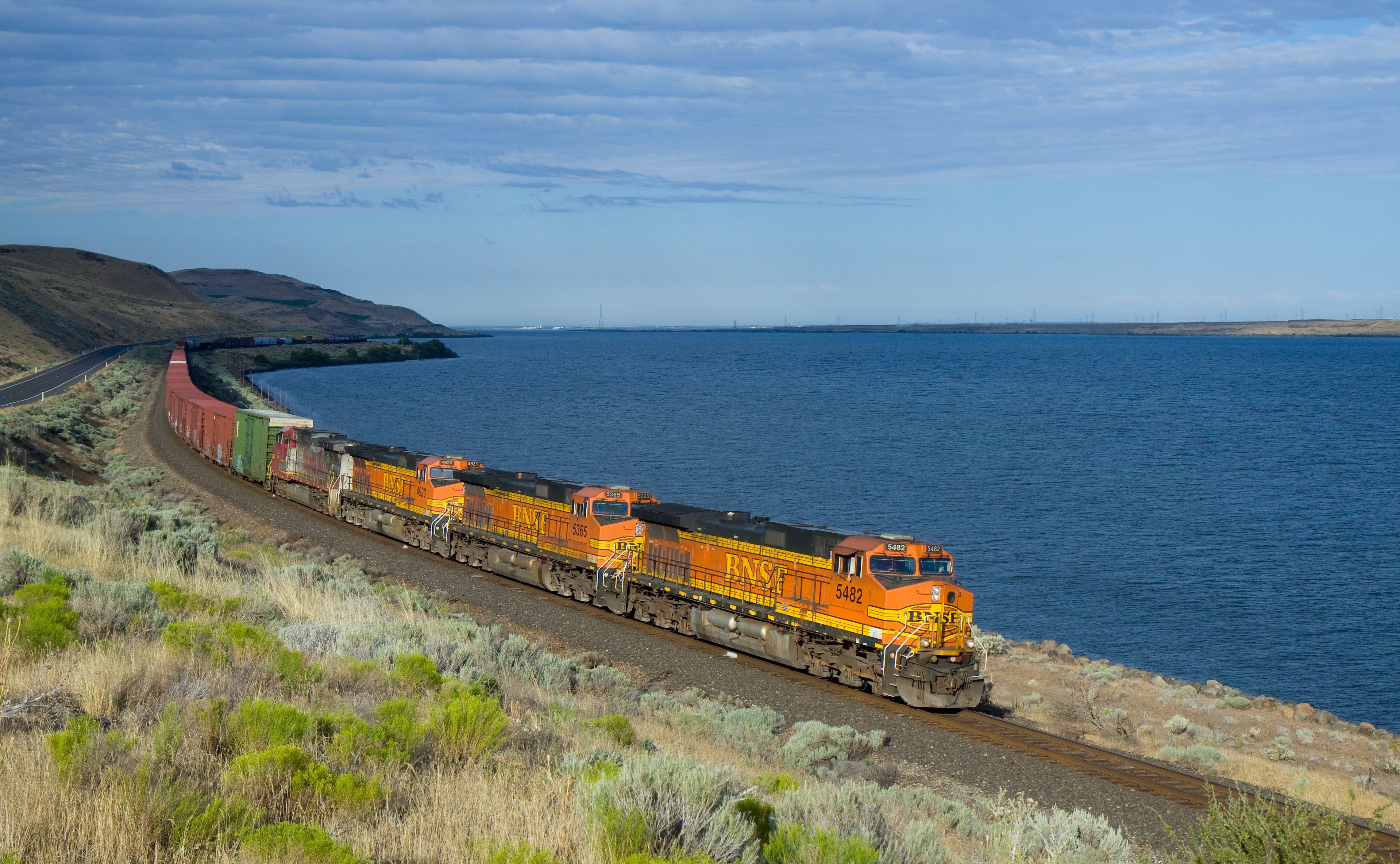 Pin By Martha Vazquez On All Aboard Train Diesel Locomotive Rail Transport