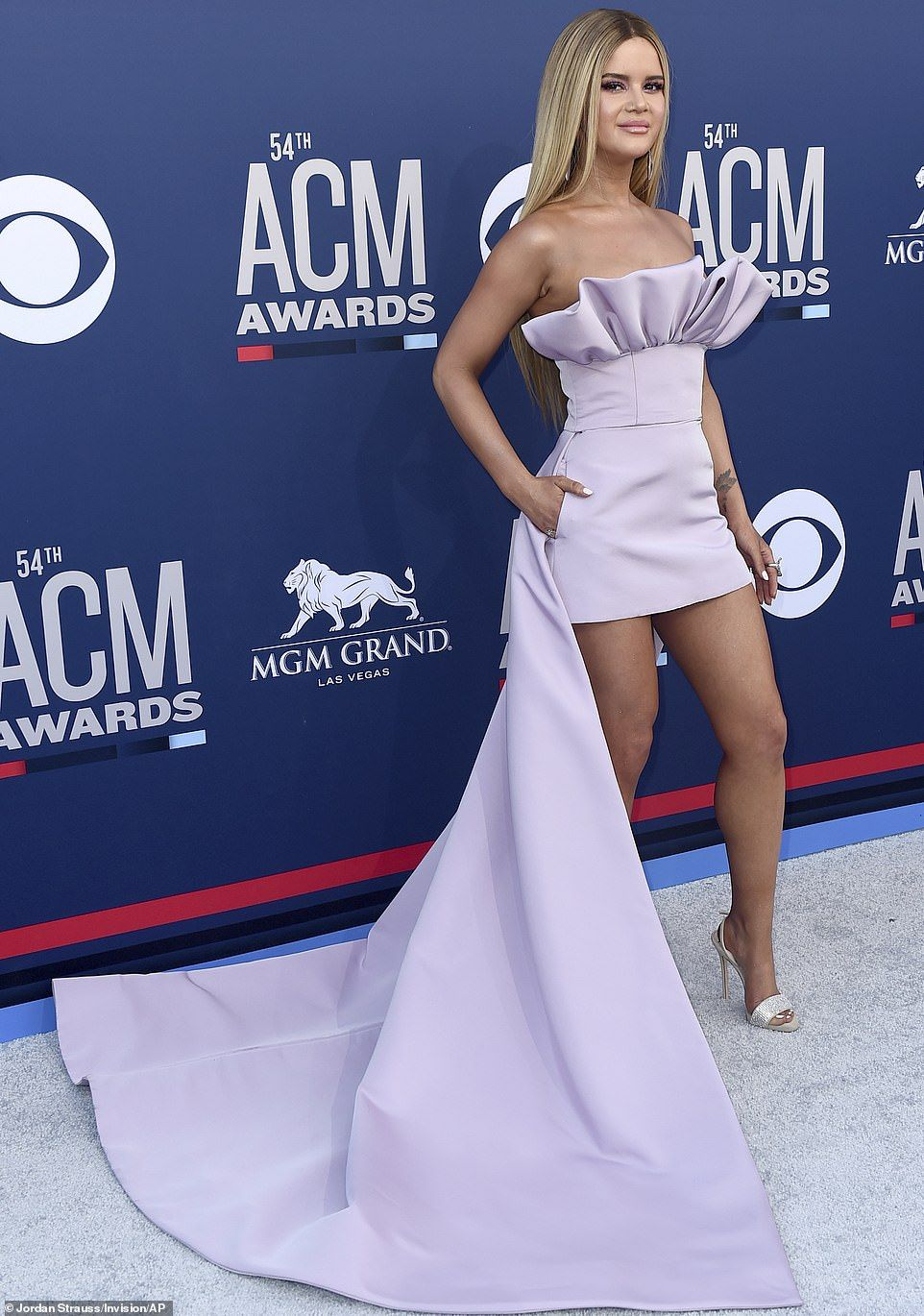 2019 ACM Awards Country stars dazzle on the red carpet