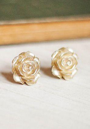 Gold Rose Earrings Post Stud Ooo So Pretty