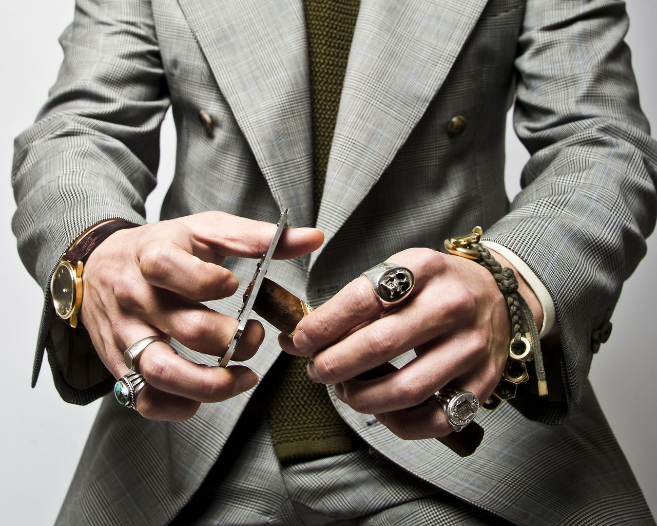 Jewellery for gay men
