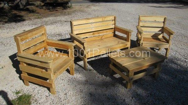 salon 001 600x337 Complete garden set   salon de jardin in pallet garden  with Pallets Chair Bench