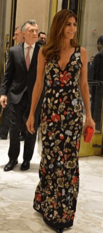 37d02ff83 Muy fashion! Juliana Awada llevó el vestido de la próxima temporada ...