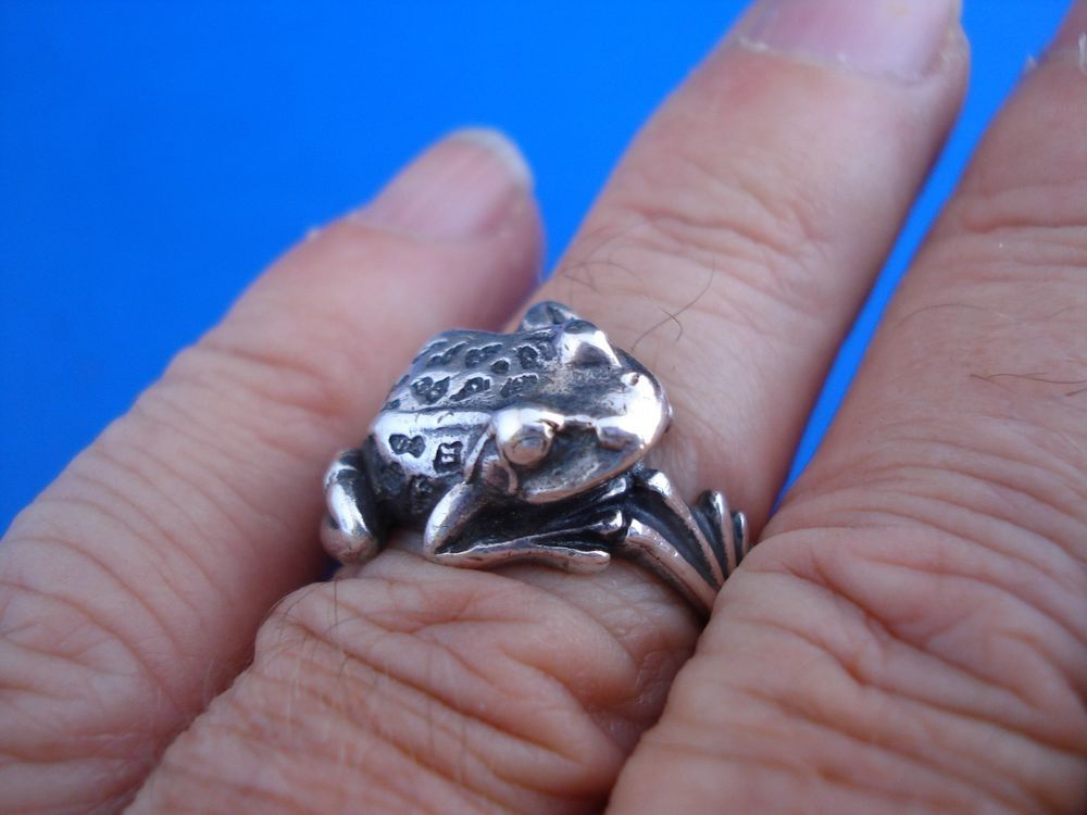 ESTATE--JAMES AVERY STERLING SILVER FROG WRAP RING ...