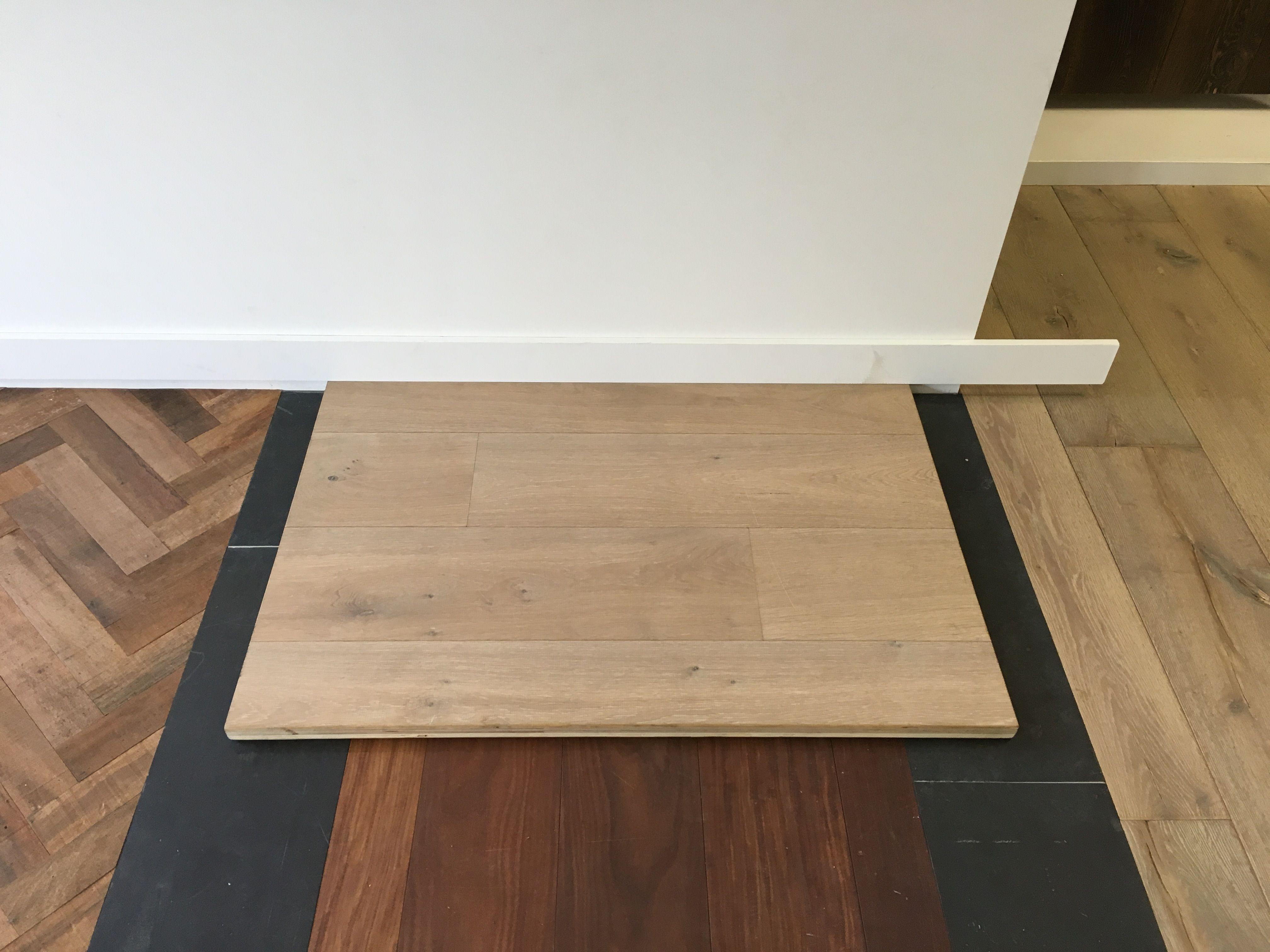 Dit wordt de houten vloer multiplank eiken licht gerookt de paal