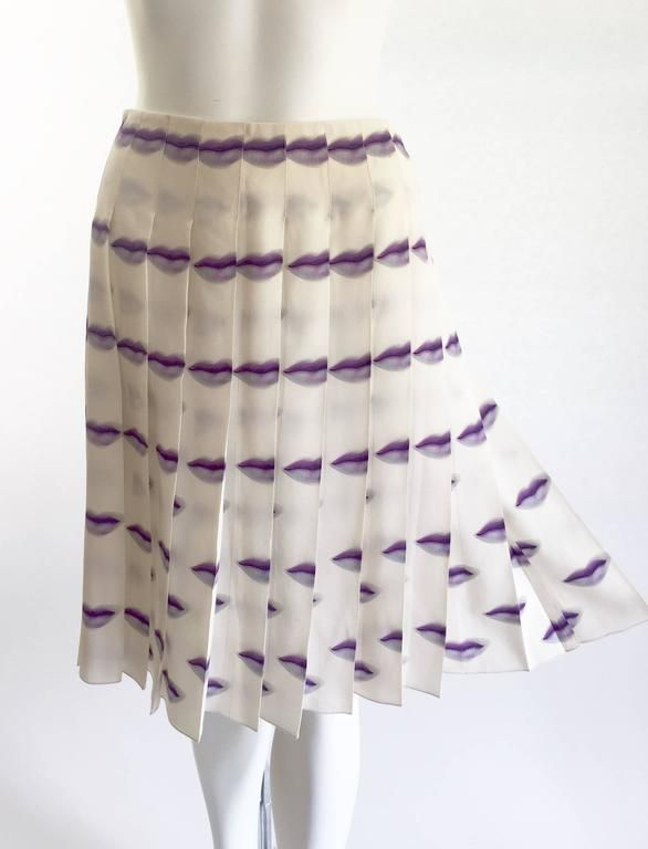 1e3a421327 Prada Purple Lip Print Silk Pleated Skirt Spring 2000 Rare and Collectable 2