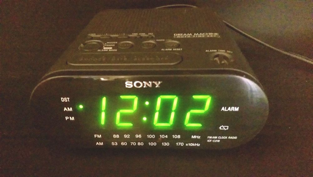 Sony Icf C218 Dream Machine Auto Time Set Alarm Clock Radio Sony