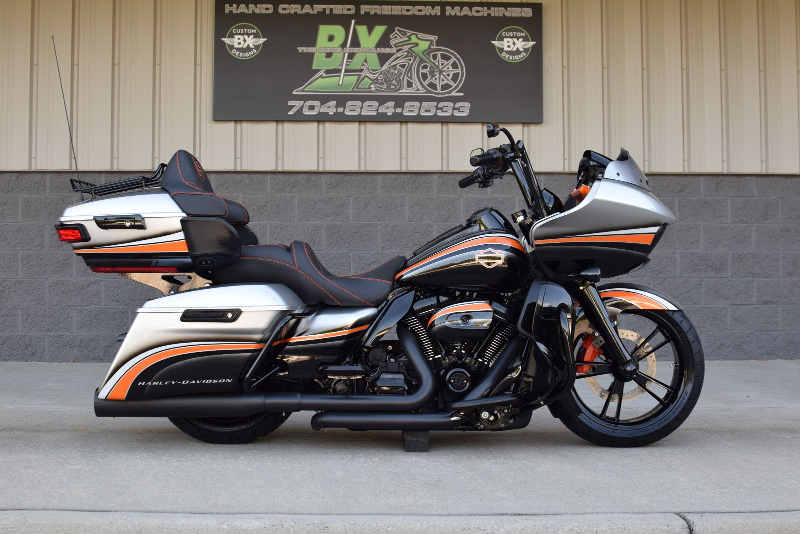 2017 ROAD GLIDE FAT TIRE BAGGER *MINT* FRONT & REAR AIR