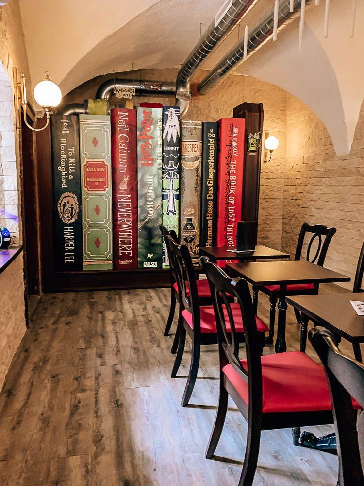 3 Themen Cafes In Klagenfurt Die Du Unbedingt Mal Besuchen Musst Karnten Urlaub Fruhstuckscafe Cafe