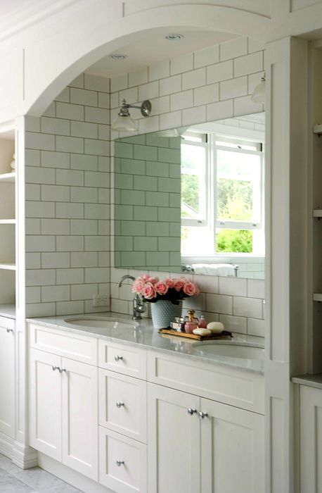 love the vanity niche...and the contrasting grout of the tile