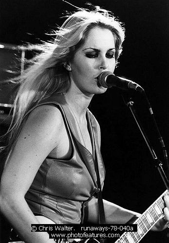 Runaways Joan Jett Lita Ford Cherie Currie Jackie Fox Sandy