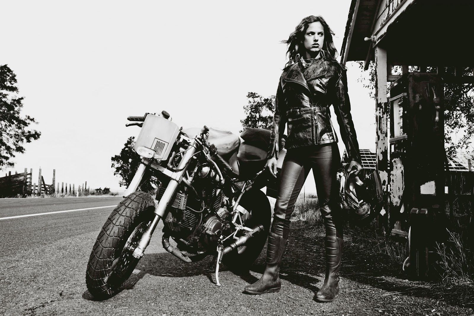 Mad Max motorcycle girl   Return of the Cafe Racers
