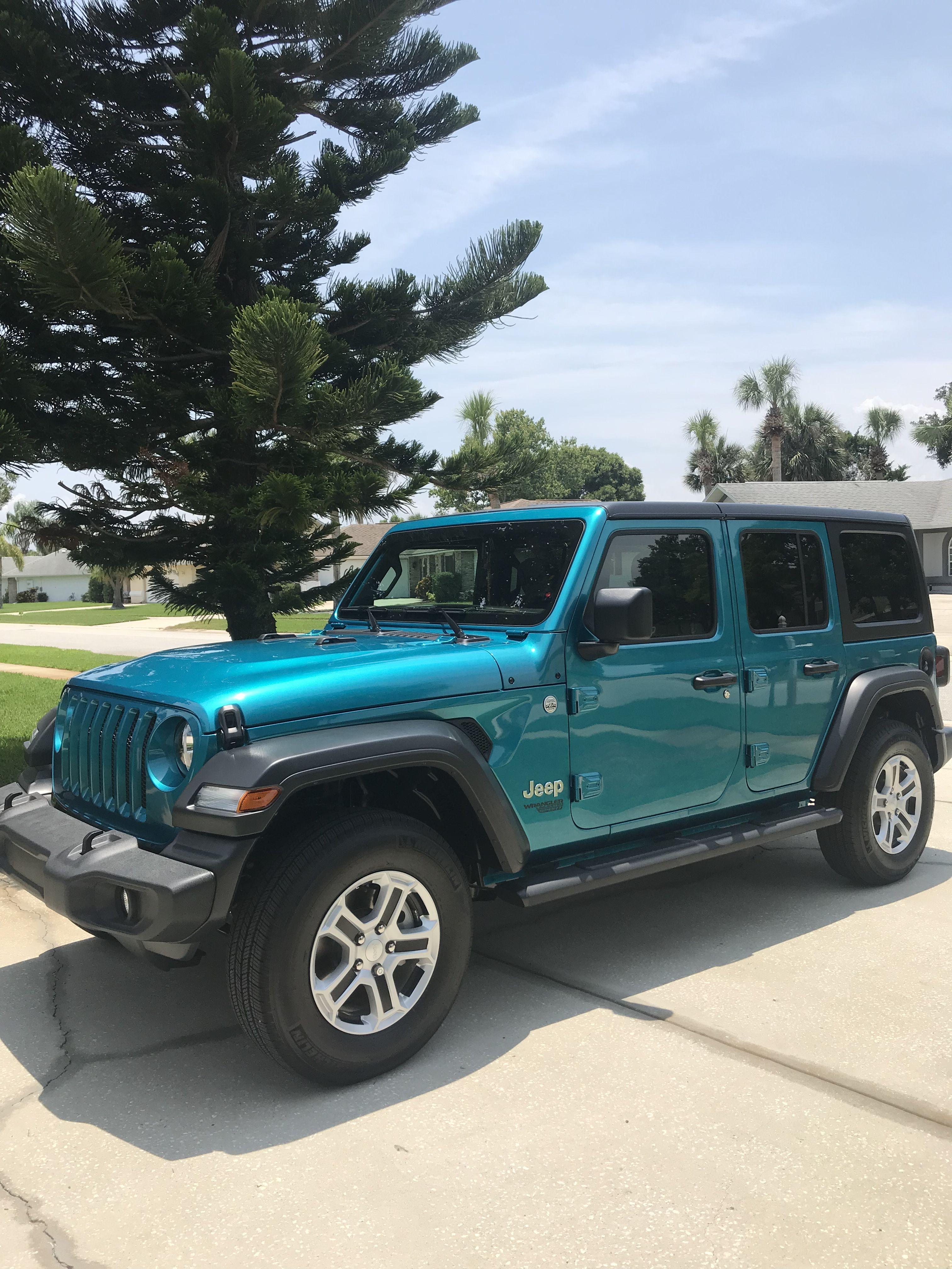 Pin By Keelia On Jeeps In 2020 Blue Jeep Wrangler Jeep Wrangler Sahara Blue Jeep