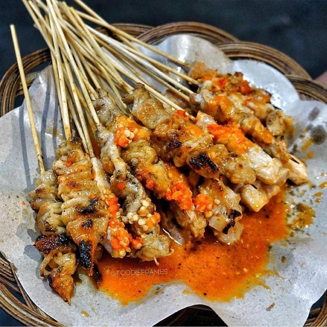 Repost From Thesupernom Sate Taichan Yang Hits Order Yang Daging Sama Yang Kulit Dan Pastinya Sambalnya Gue Kasih Yang Banya Makanan Resep Masakan Masakan