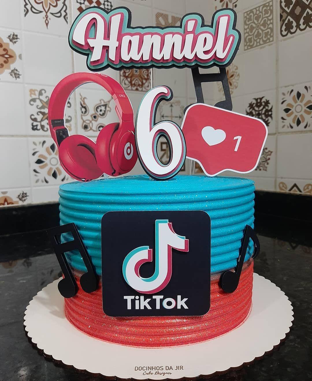 Docinhosdjir Por Iasmyn Araujo No Instagram Tiktok Tiktok Tiktokbrasil Caketiktok B Unique Birthday Cakes Beautiful Birthday Cakes Birthday Cake Girls