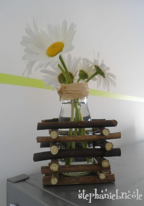 DIY - Comment faire un soliflore récup - TUTO déco nature http://www.stephaniebricole.com/archives/2011/05/17/21160187.html