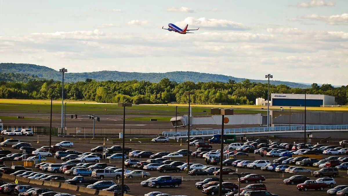 Check Out The Safe Bdl Parking Spots Online Bdlairportparking Perth Airport Newark Airport Garage Time