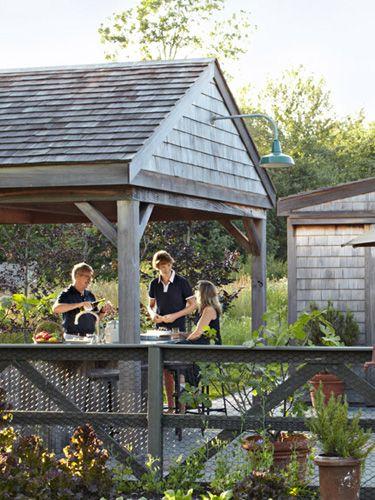 10topoutdoordesigntrendsfor2014 countryliving - Garden Design Trends 2014