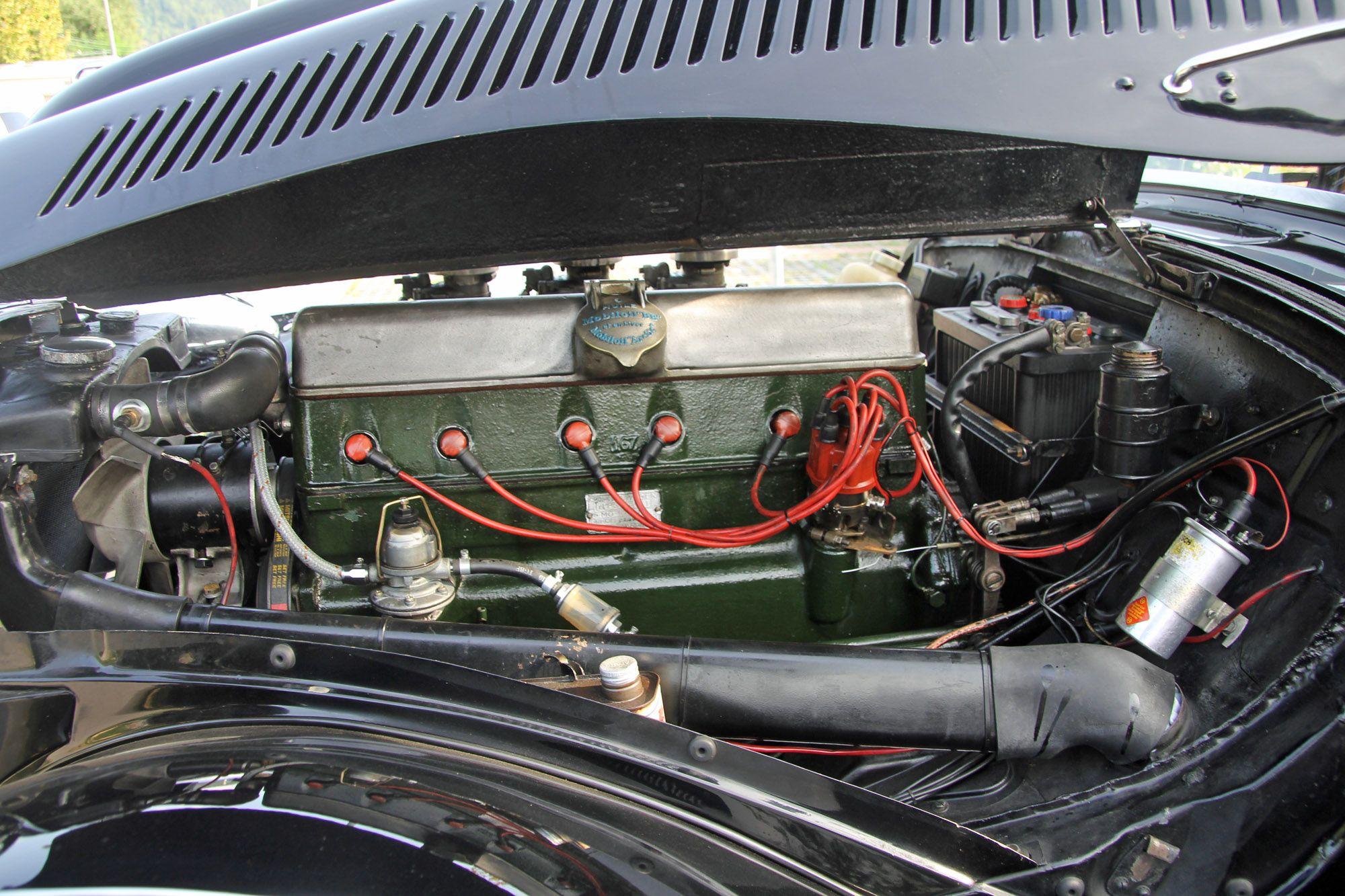 Citroen Traction 15 6 Citroen Traction Voitures Classiques Voiture Citroen