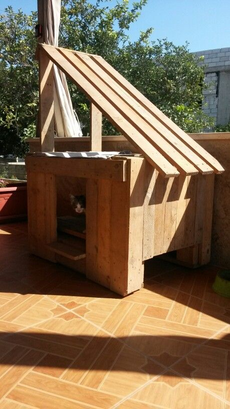 Cat house from pallet | Pallet, House, Wood