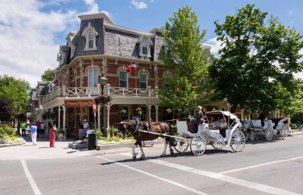 Niagara On The Lake Ontario Steve Heap Shutterstock Canada Towns Romantic Weekend Getaways Weekend Getaways