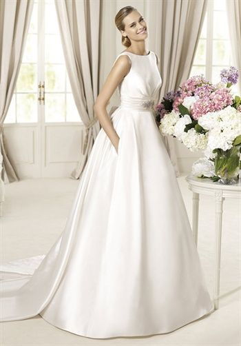 Pronovias Dalila | Wedding | Pinterest