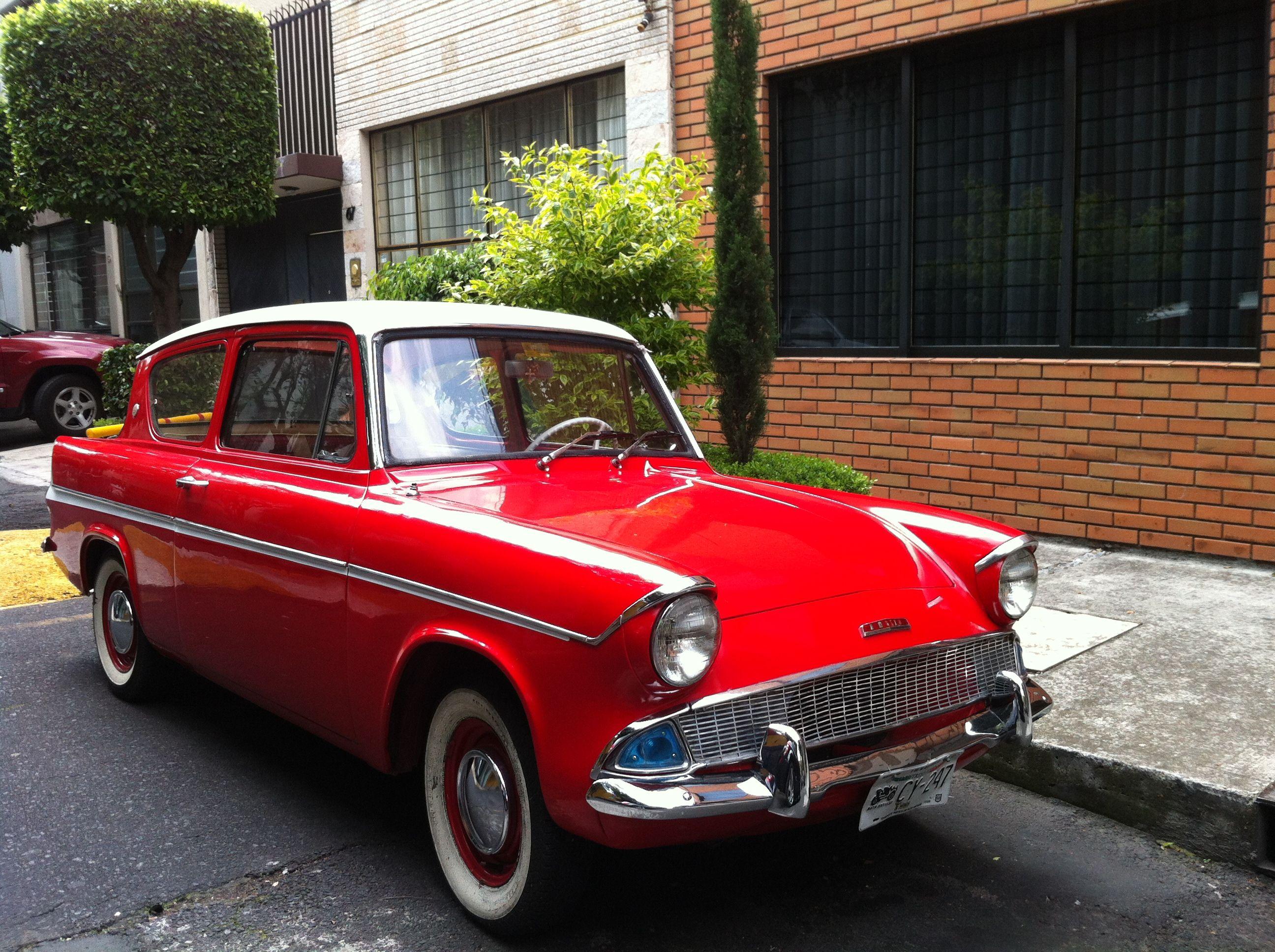 Ford Anglia De Luxe