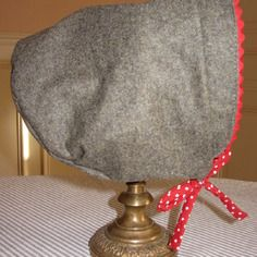 Bonnet-béguin réversible pour petite fille élégante