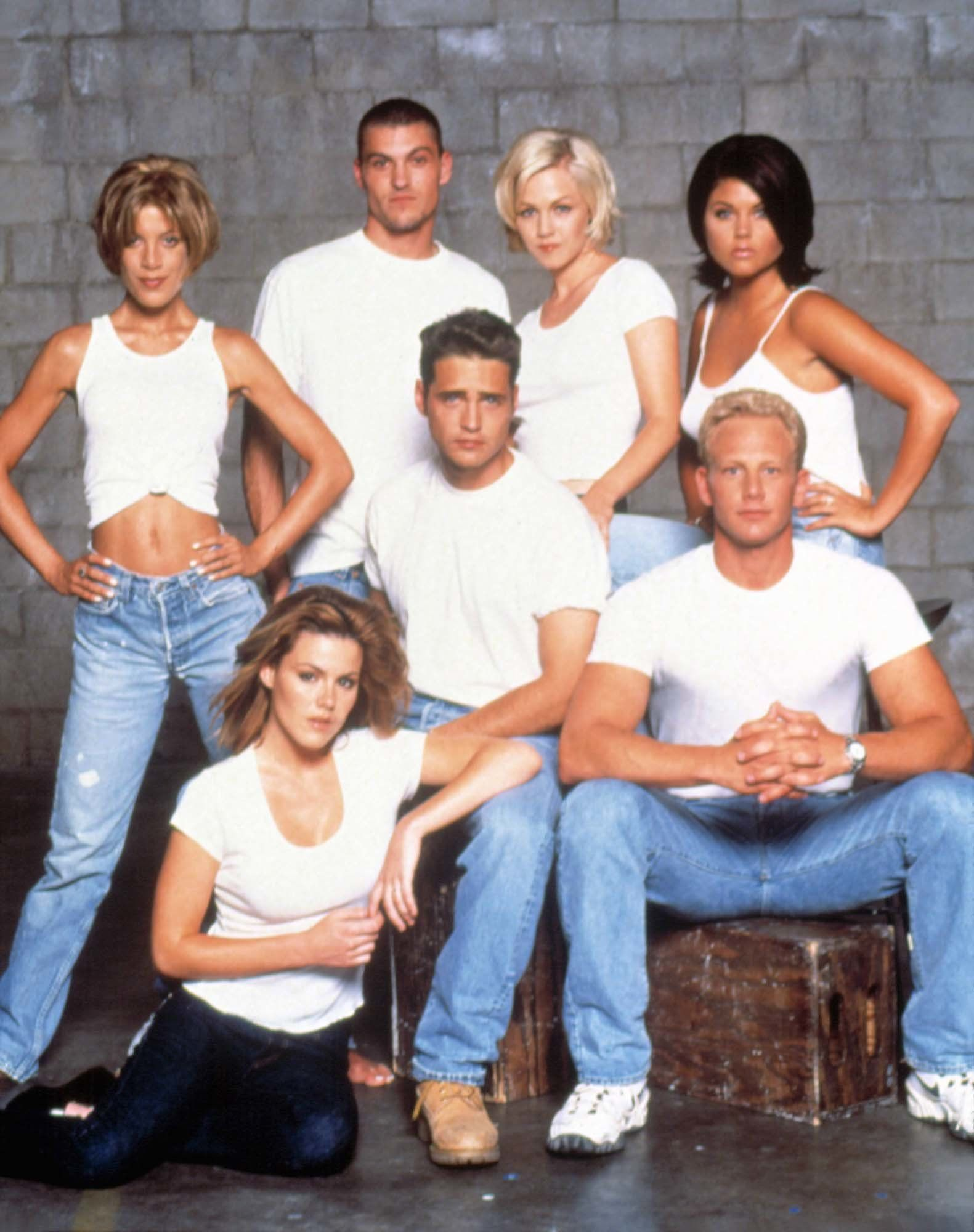 The Cast Of Beverly Hills 90210 1996 With Images Beverly