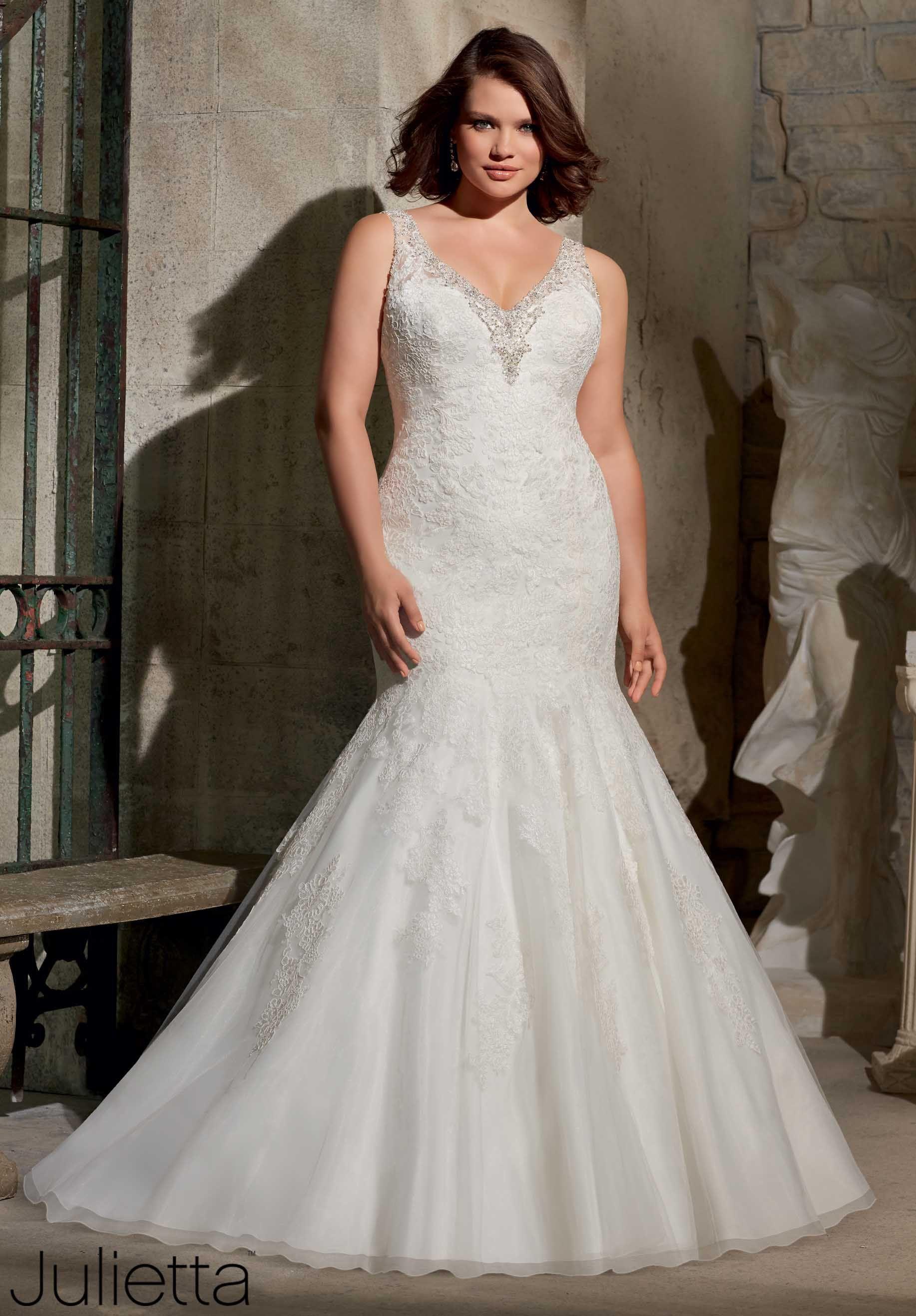 8cc73c0e6 Mori Lee siempre tiene el vestido perfecto para las mujeres con curvas.  3171-058.jpg (1834×2636)
