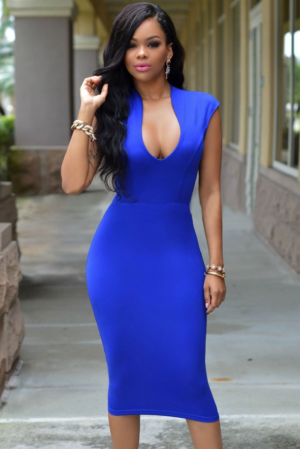 b8d484f78e9 Masterful Fit Royal Blue Low V Neck Her Knee Party Dress
