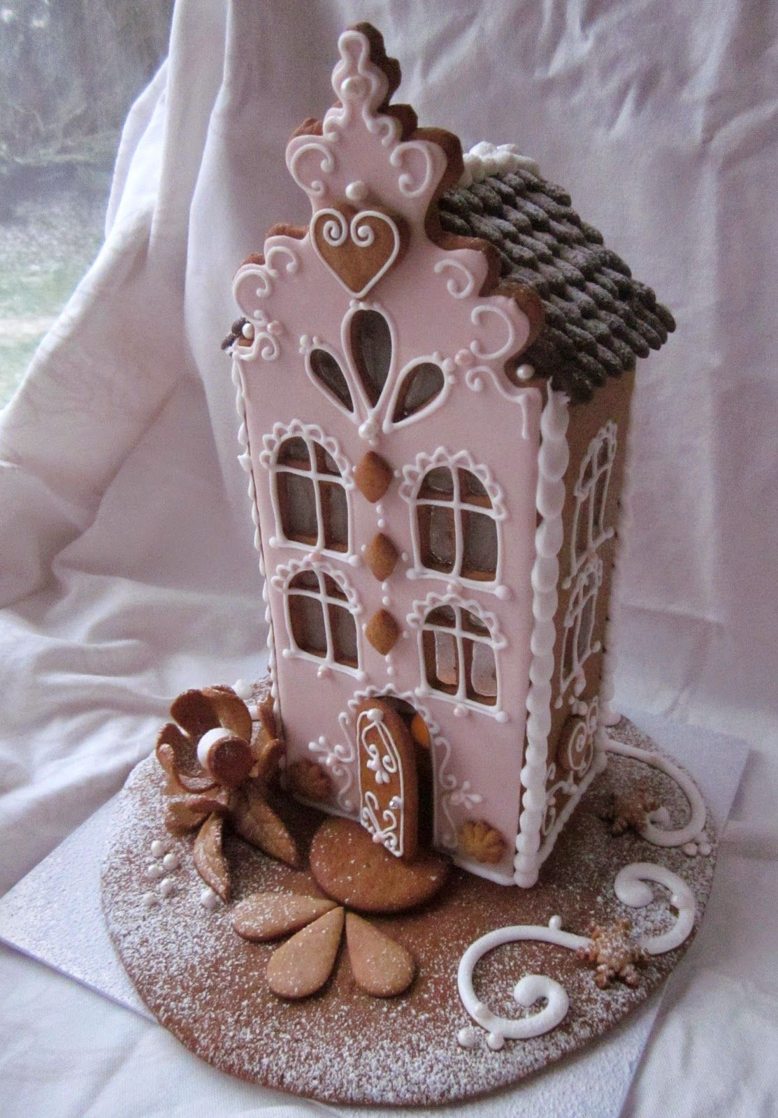GINGERBREAD HOUSE~PINK GINGERBREAD HOUSE