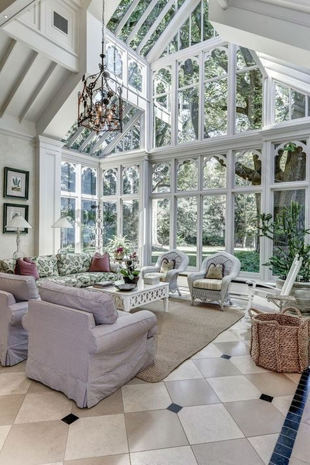 46 Inspiring Traditional Home Decor Ideas To Improve Your Room is part of  - Decors enable you to set up a nineteenth century room in a 21st century block building  The character and the […]