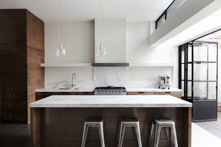 Dosseret et plan de travail marbre pour la cuisine- 80 idées Bar - plan ilot central cuisine