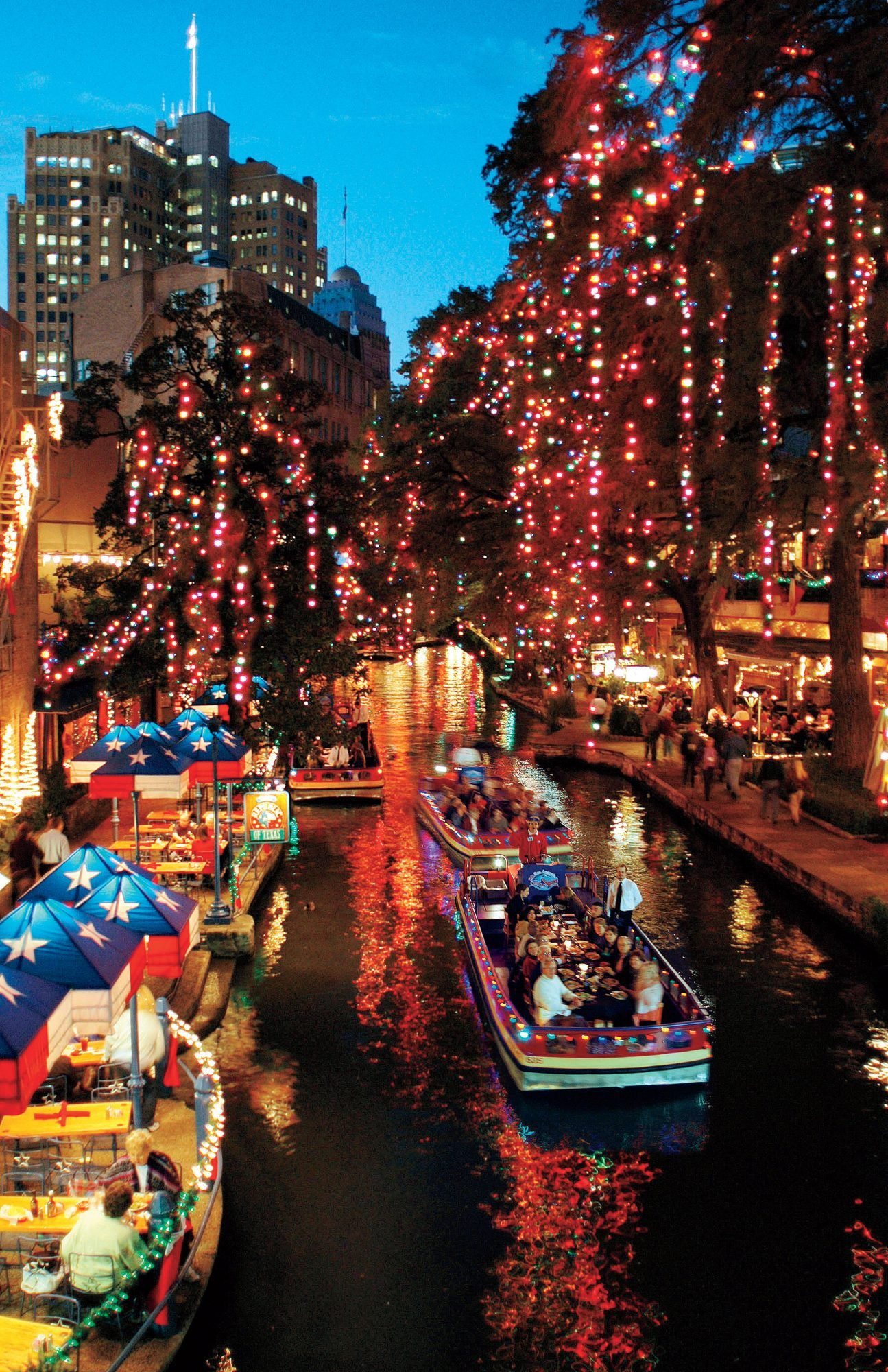 12 Best Destinations For A Classic Southern Christmas In 2020 San Antonio Riverwalk San Antonio Riverwalk Restaurants Best Christmas Vacations