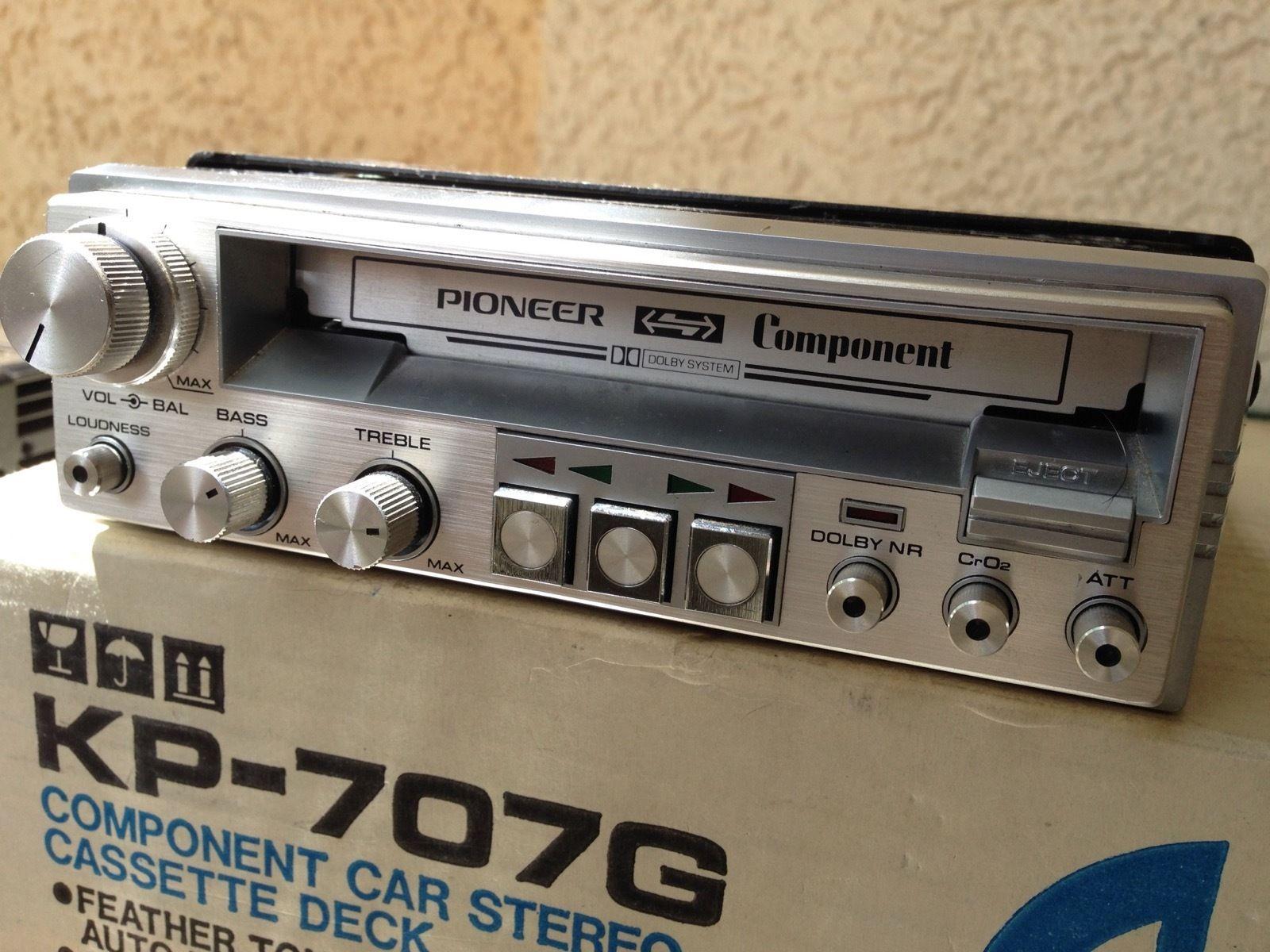 Vintage Look Car Stereo 86