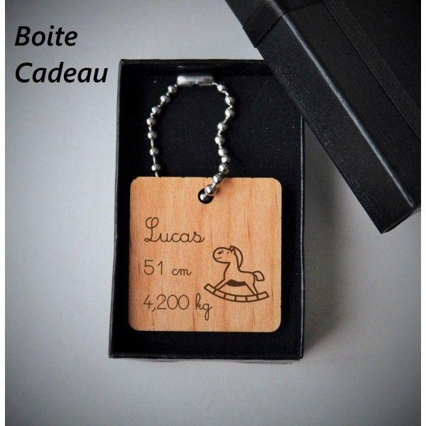 Porte-clés en bois gravé Prénom Boite cadeau, souvenir 7M Design gravure  France 18c982a4442