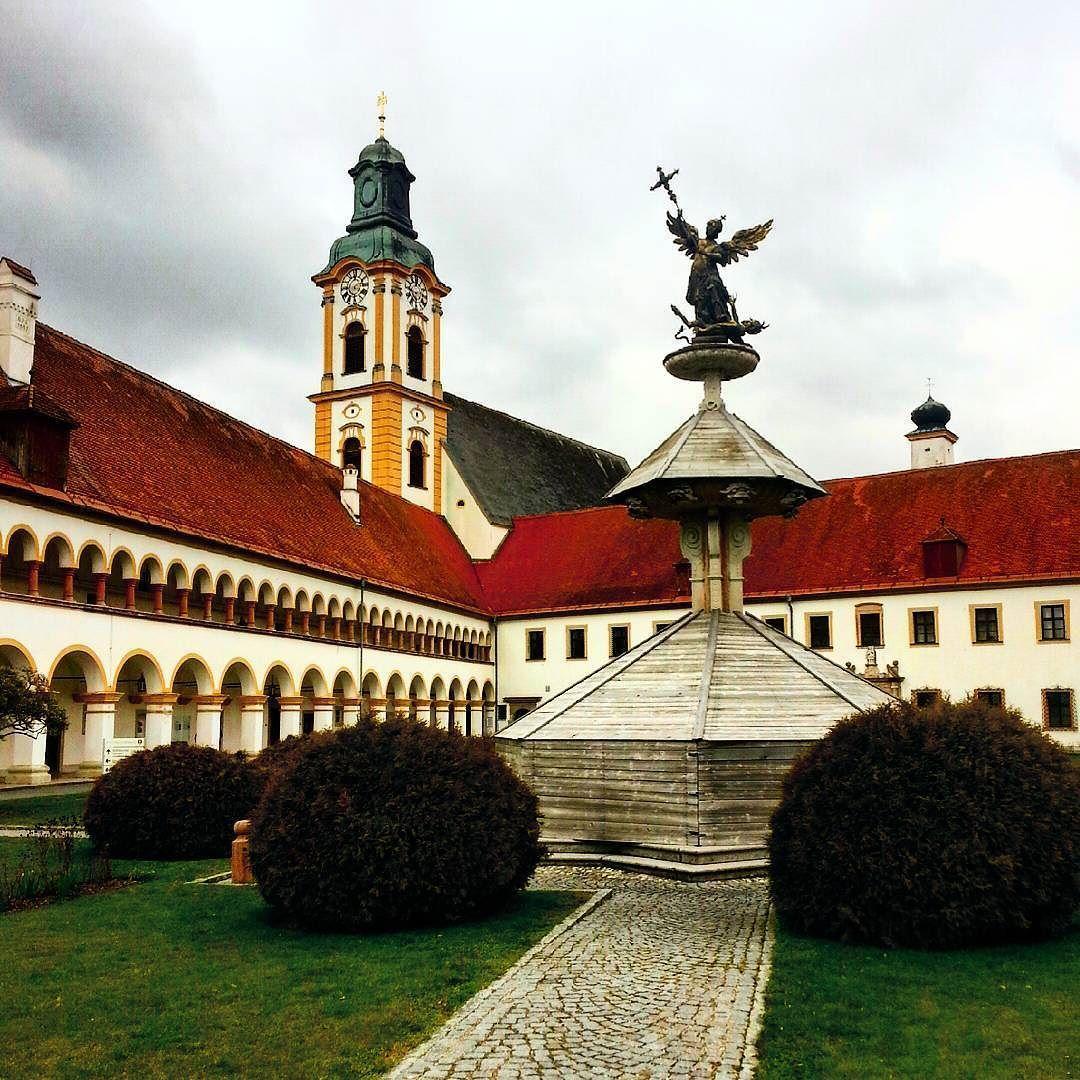 #Stift Reichersberg #Augustiner Kloster  # Ort der Ruhe und Einkehr #Oberösterreich by bergbilder