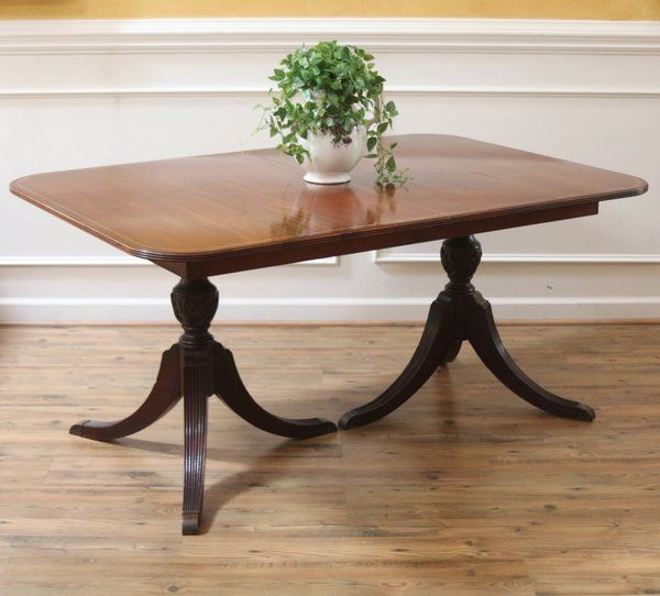 Vintage Mahogany Duncan Phyfe Extending Dining Table C1930s